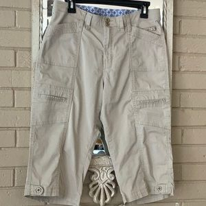 23de6f658f Lee Cargo pants Size 10Med 98% cotton 2% spandex
